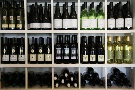 Bluetongue Cafe: more wine