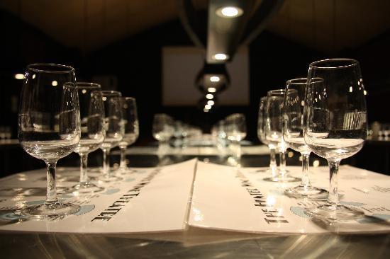 Bluetongue Cafe: wine education room