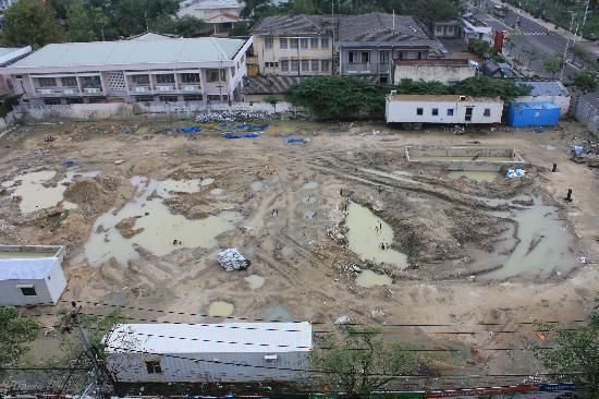 Phu Quy 2: Construction site next door