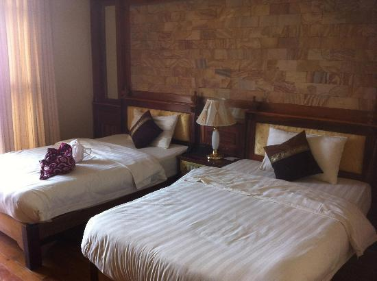 Blue River Hotel : Twin share room