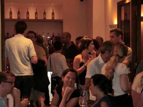 Nonsolovino: Aperitivobar, Wein Lounge, Restaurant