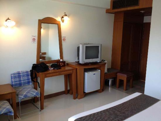 City Hotel: Chambre aile restaurée, interieur