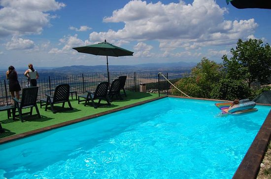 La pintura agriturismo updated 2017 farmhouse reviews for Trevi pools