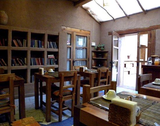 Lodge Andino Terrantai: Salle du petit-déjeuner