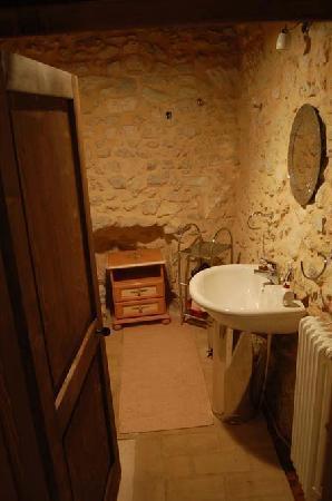 Tetti di Trevi: Villa azzura bathroom