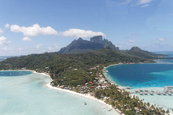 Tahiti-Helicopters: vue d helico