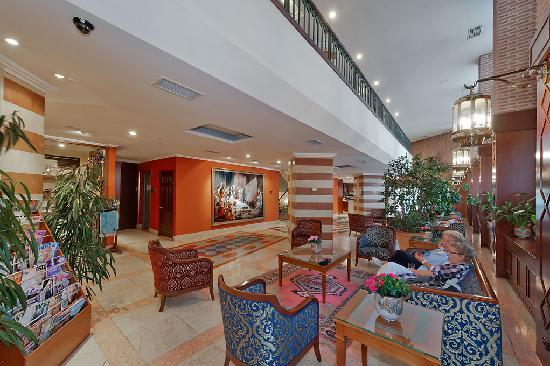 Aziyade Hotel: Lobby
