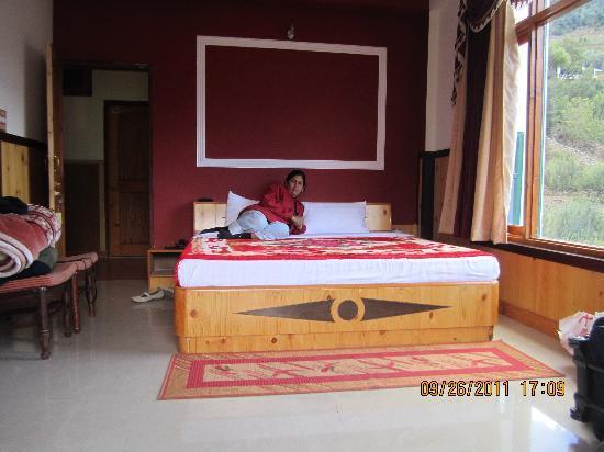 The Grand Shamba-La: the room