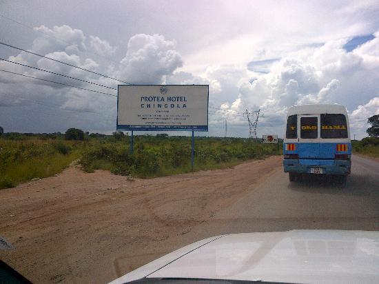 Protea Hotel by Marriott Chingola: Signboards to the Hotel