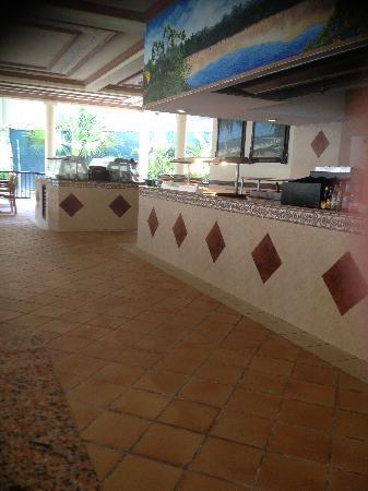 Hotel Riu Lupita: Beach club restaurant