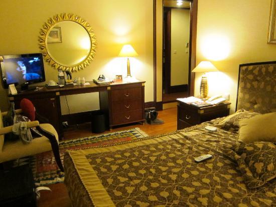 Eresin Hotels Sultanahmet: Flatscreen