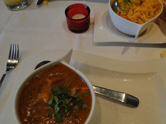 Nirvana - The Indian Restaurant: Murg Aam Papai & Khuska