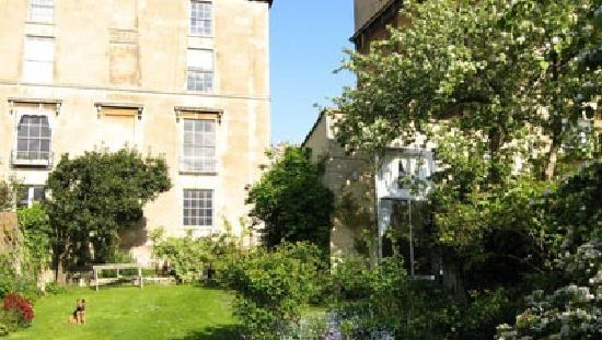 The Garden House Bed & Breakfast: Garden