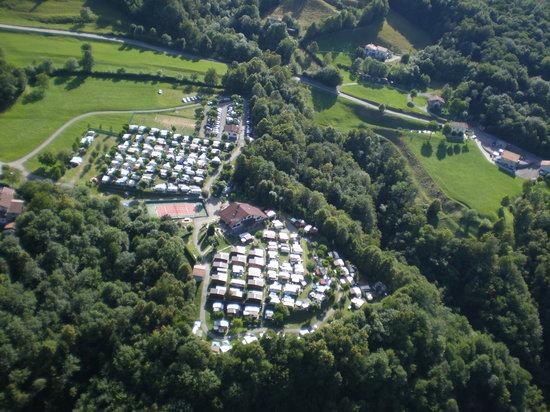 Castiglione d'Intelvi, Italia: Vista aerea del campeggio