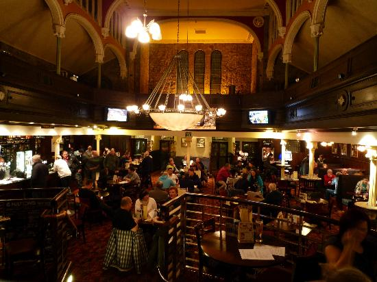 Daviot House: Local Weatherspoons is very good