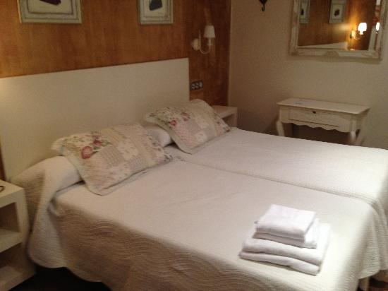 Hostal Grau: Our Room