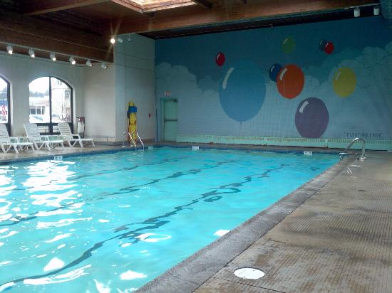 Penn Wells Hotel & Lodge: Lodge pool area