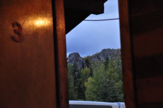 Angel Creek Lodge: angel creek view out our door