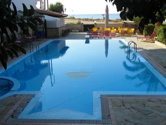 Soleil Hotel: Swimming Pool