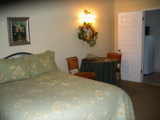 The bed in our standard room. Meadowlark Inn by Solvang
