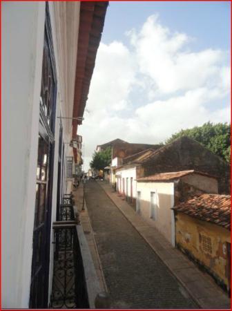 Pousada Portas da Amazonia: View of the street - the left