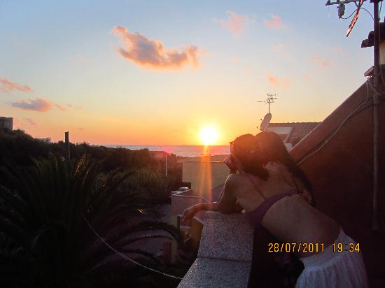 B&B La Dahlia : watching sunset from the balcony