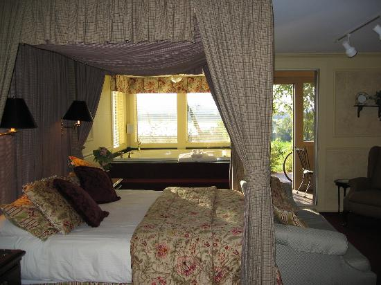 Goldmoor Inn: View of our room