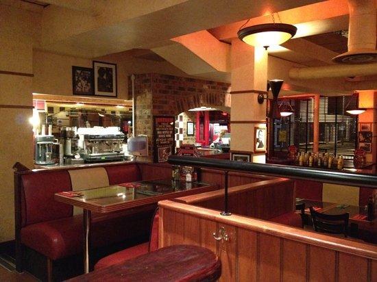 Little Frankies: Restaurant and bar