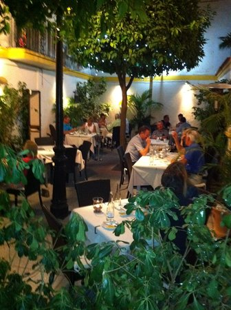 Bijou Bar and Bistro: patio in the  evening