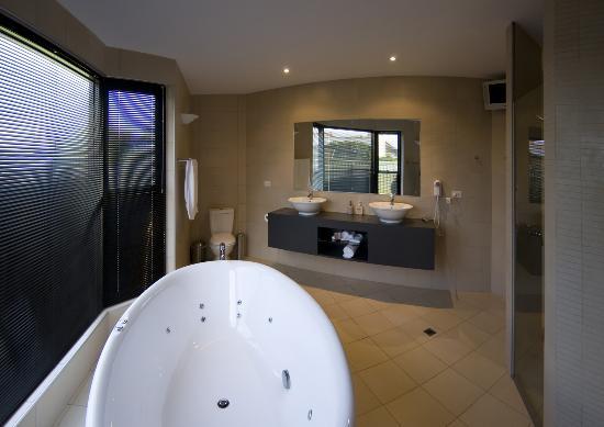 Merlot & Verdelho Townhouses : Bathroom is gorgeous