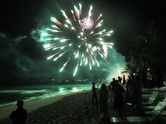 Glitter Bay Suites: new years eve celebration at glitter bay