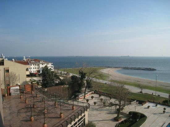 Cinar Hotel: view rom balcony