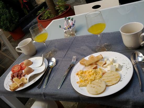 La Casa del Farol Hotel Boutique: Casa del Farol Breakfast 3