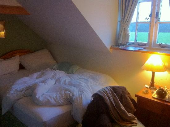 Latchetts Cottage: My room in the morning