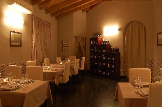 Club Italia 56 : Dining Room
