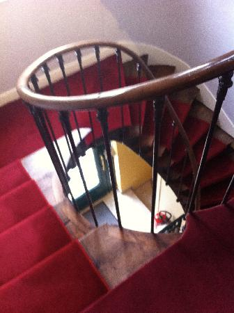 Hotel du Manoir: Winding stairs - there is a lift