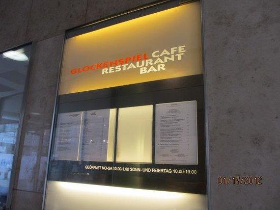 Cafe Glockenspiel: restaurant