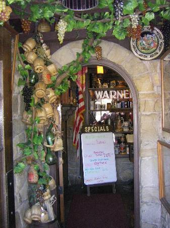 Warner's German Restaurant: Willkommen