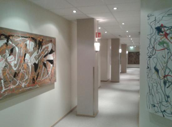 Nordurey Hotel Reykjavik Road: Spacy corridors comfortable