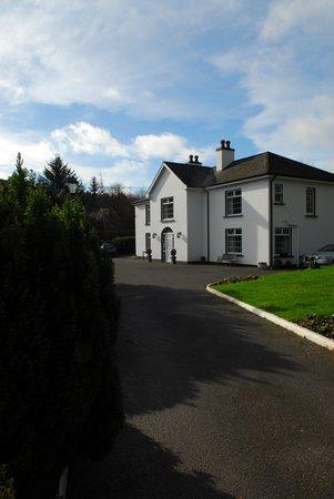 Weston House: Driveway