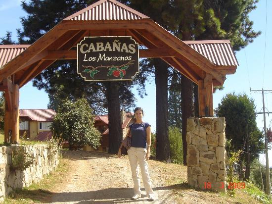 Los Manzanos Cabanas: Entrada a la cabaña