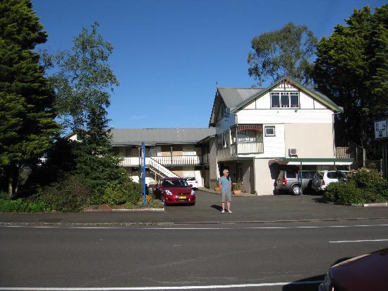 3 Explorers Motel, January 2012