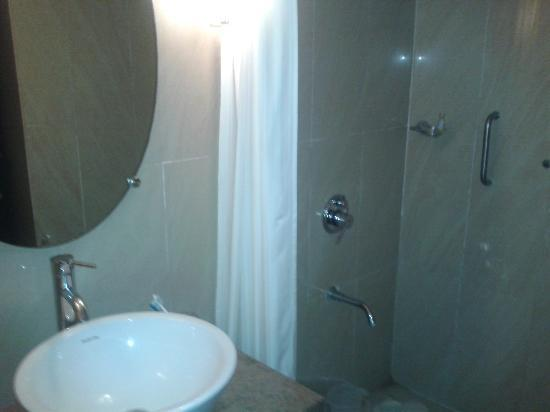 Phoenix Park Inn Resort: Toilets