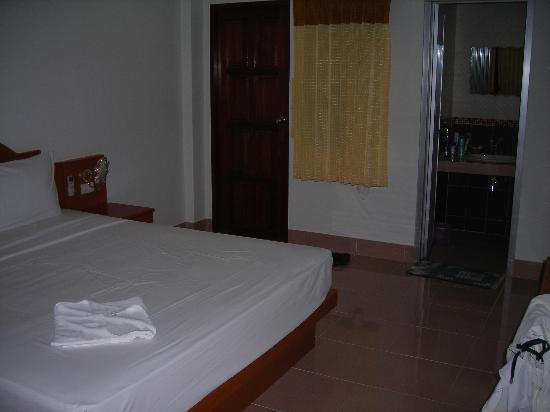 Neeraja Guesthouse: CAMERA