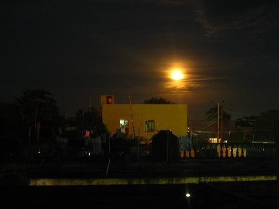 Lo Nuestro Petite Hotel: full moon from our balcony