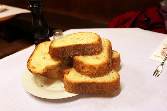 Cafe du Soleil: crusty bread