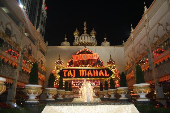Trump Taj Mahal: Outside