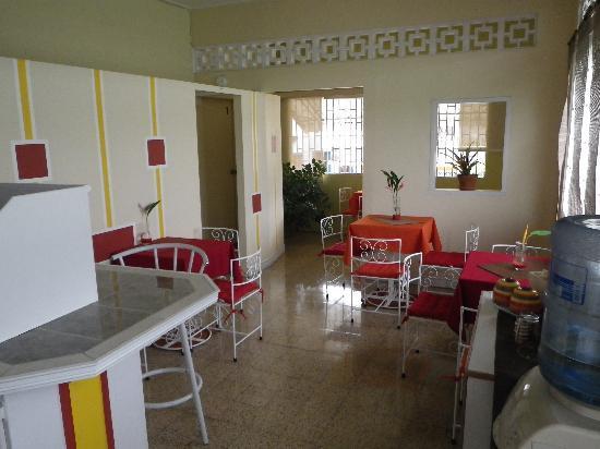 Thanna's Place: Thanna's kitchen
