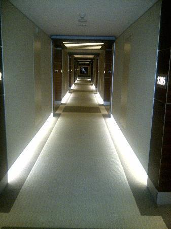 Swissotel Grand Efes Izmir: corridoio accesso alle camere