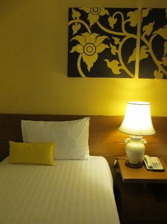 Naithonburi Beach Resort: My bed